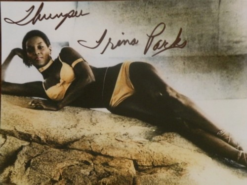 TRINA PARKS AUTOGRAPH AS THUMPER FROM THE BOND FILM DIAMONDS ARE FOREVER