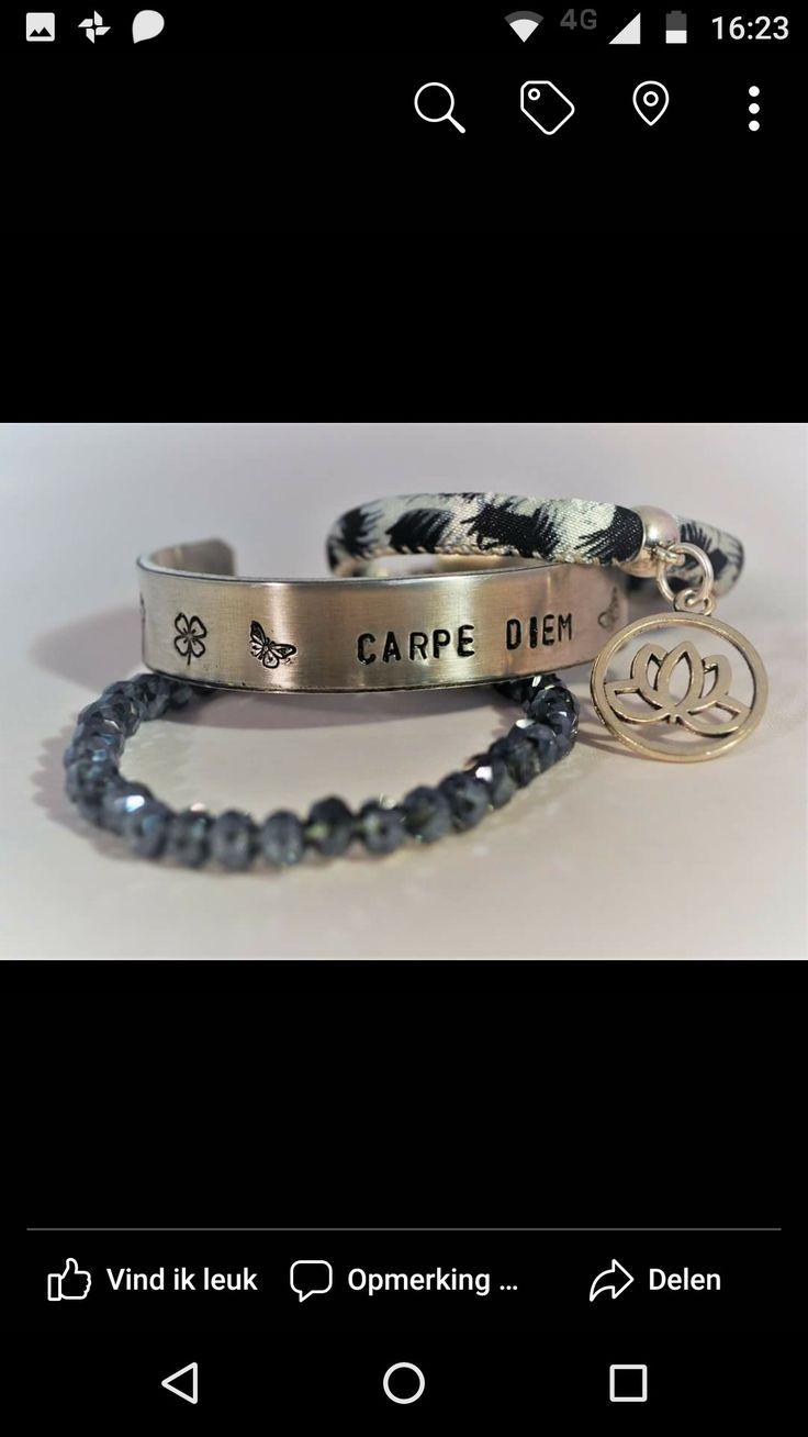 Dit leuke setje kun je zelf maken tijdens de Ibiza armbanden workshop. Tekst armbanden