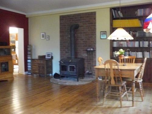 93 Mtée Smellie, Godmanchester, QC, J0S 1H0  268 000$ / 12.00 Acres / 1 h 30 min