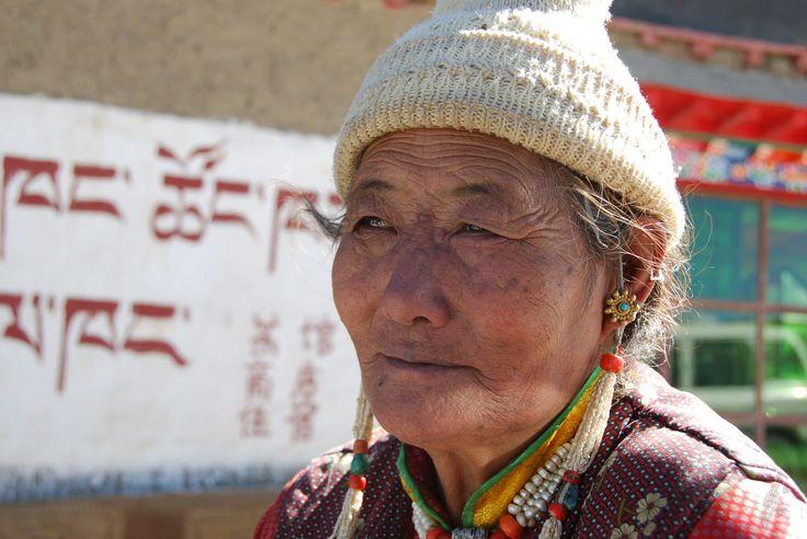 Tibet, old women