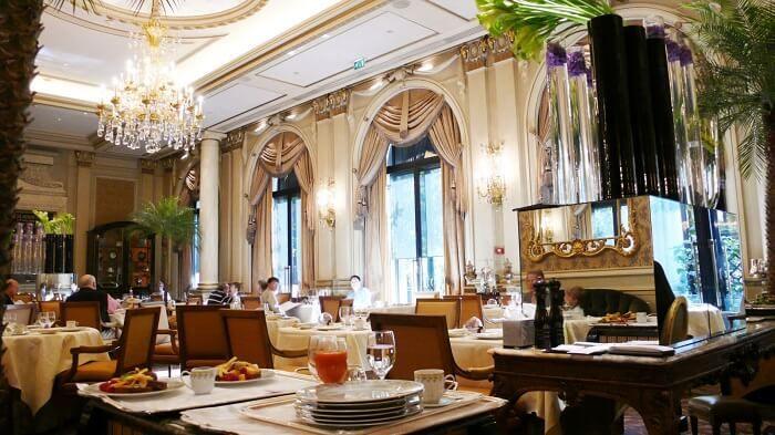 10 Restaurantes Românticos Em Paris Para Celebrar O Dia Dos Namorados Restaurantes Românticos Dicas Paris Dicas De Viagem Para Paris