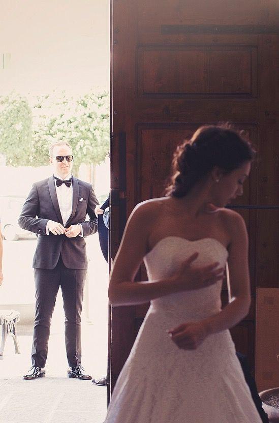 #weddingphotography #wedding #gettingmarried #weddingceremony #weedingdress #weddinginspiration #diy #selfdesigned #vinjethomassen Photo credit: @saaslkk