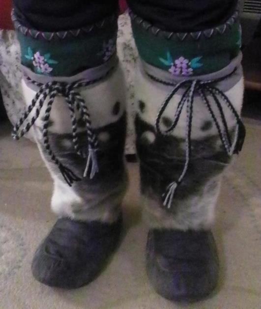 Inuit made women's sealskin kamiks by Ooloosie Judea