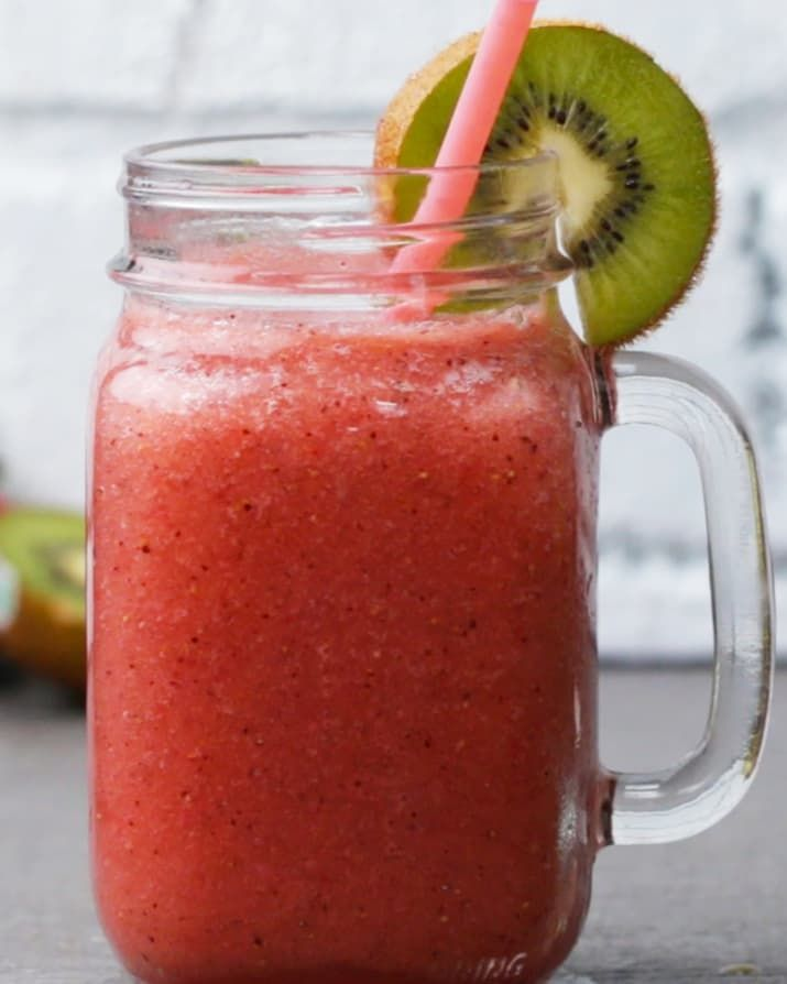 Servings: 2INGREDIENTS1 cup strawberries, stems removed½ cup kiwi, peeled ½ cup water 2-3 cups icePREPARATION Pour all ingredients into a blender and blend until smooth. Garnish with a kiwi slice, and enjoy!