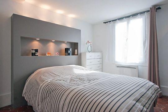 tête de lit avec niche