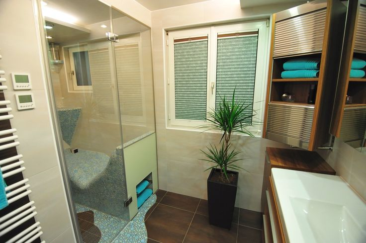 bathroom with steam sauna badezimmer mit dampfbad. Black Bedroom Furniture Sets. Home Design Ideas