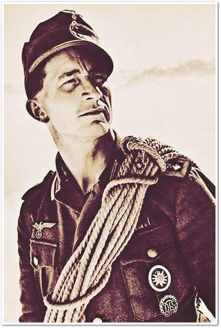 Wehrmachts Gebirgsjäger – Hitlers elitförband stred på nästan alla fronter. Edelweissen på bröstfickan avslöjar att mannen är Heeresbergführer – en särskilt kompetent bergsguide som bland annat ska agera rådgivare åt högre ledning och utbilda soldater i bergsstrid.