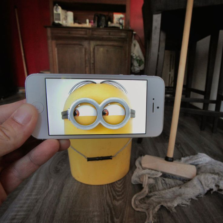 Despicable Me (2010) 19 Creative Photos That Perfectly Combine Movie Moments With Real Life • Page 3 of 6 • BoredBug