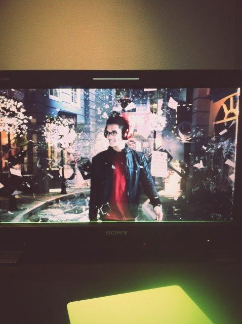 afgansyah reza's Photo: Tadi abis preview offline buat TVC terbaru. Asik banget hasilnya! Sangat worth it set-nya diledak2in. :) | Lockerz