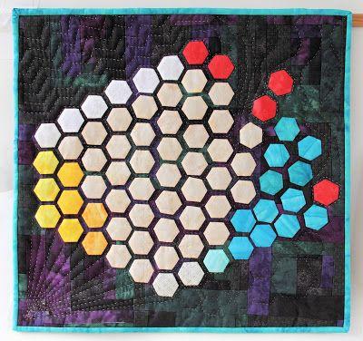 quiltersgilde: Hexagonnen en Honingraten. De Tentoonstelling van ...