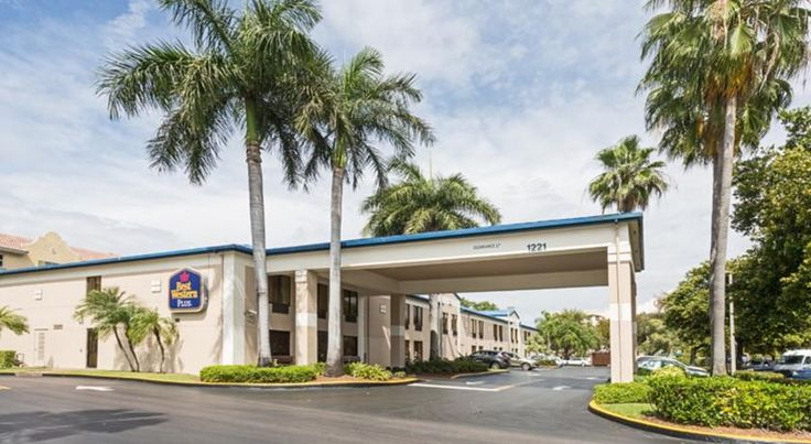 Best Western Fort Lauderdale Airport Cruise Port Fort Lauderdale Offering an outdoor pool and complimentary Wi-Fi access, this hotel is 8 minutes' drive from Fort Lauderdale city centre. John U. Lloyd Beach State Park is 12.3 km from the property.