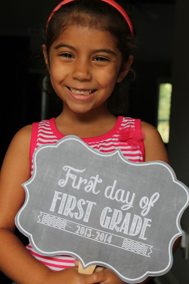 First day of school sign printables.  Scroll on the image and it changes to different grades to print