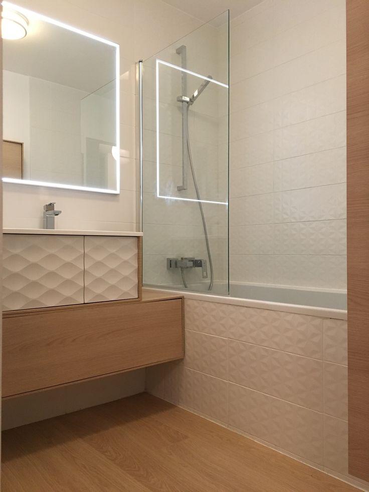 Salle de bain dessinée par Nuance d'Intérieur – Mobilier, faïence et carrelage Leroy Merlin