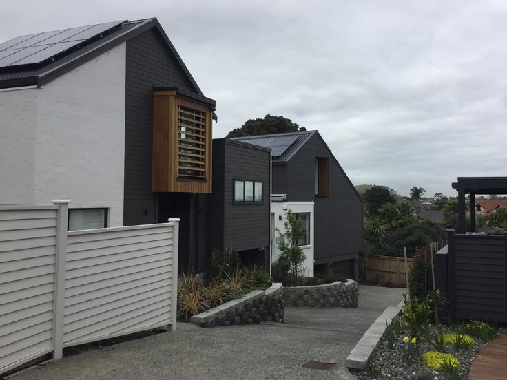 One year on and last year's Block NZ houses are still looking great, with Abodo's dark Vulcan timber cladding #vulcancladding #abodowood