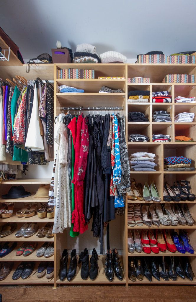 6 Steps To Spring Cleaning Your Closet, Straight From A Celebrity Stylist