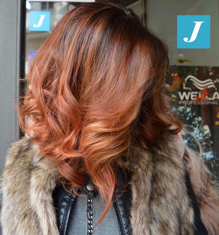 Ad ogni donna il suo stile: Taglio Punte Aria e le sfumature inimitabili del Degradé Joelle. #cdj #degradejoelle #tagliopuntearia #degradé #igers #musthave #hair #hairstyle #haircolour #haircut #longhair #ootd #hairfashion