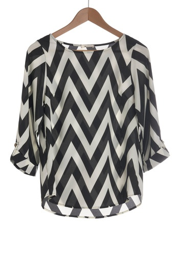 Love this top - like with any bright colored bottoms and gold jewelry, or a khaki skirt with turquoise jewelry