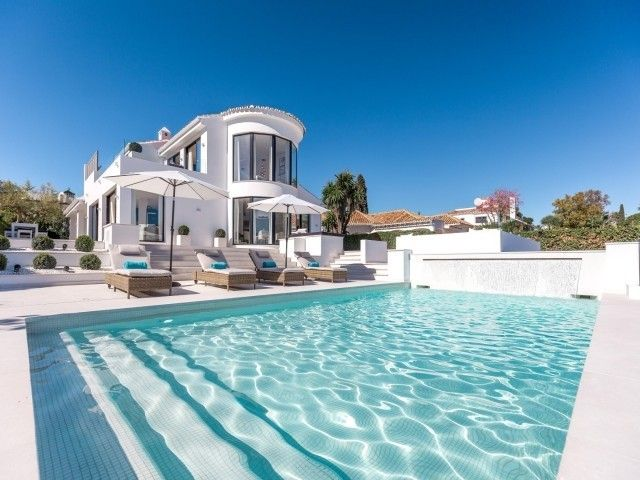 New to the Market - This Exquisite Property situated in a highly sought-after area in #nuevaandalucia #marbella | €3.480M | Hurry!!! https://butterflyresidential.com/en/show/sale/29172/