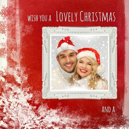 Een rode kerstachtergrond om zelf een mooie kaart mee te maken. In de tablet versie fotoframe met hart en wolkjes.