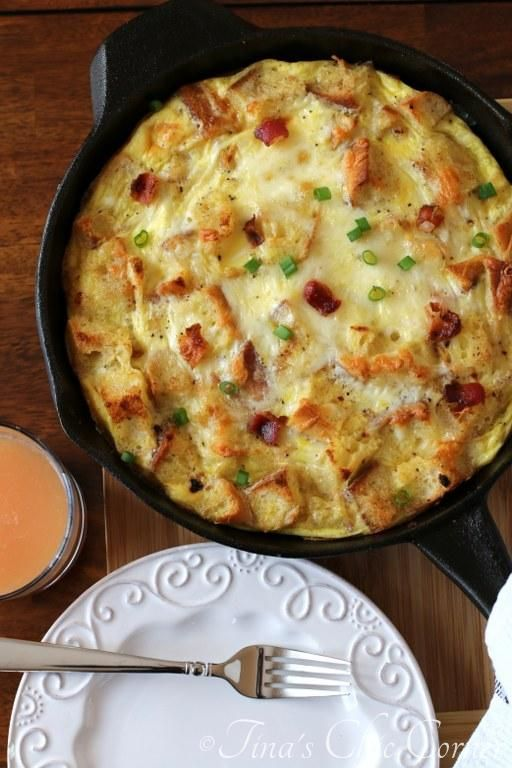 Bacon, Egg, And Cheese Skillet Strata (part quiche, part savory bread pudding, part awesome.  super easy breakfast to make and it's super delicious.)  - www.tinaschic.com