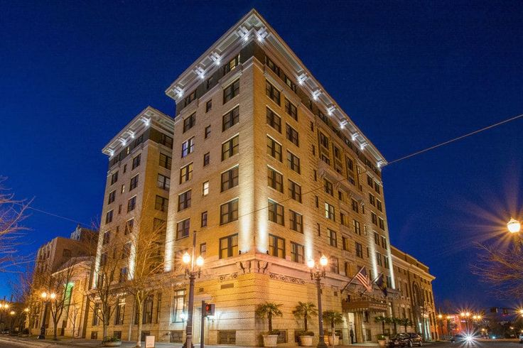 Hotel deLuxe, Portland, Hotel Front – Evening/Night
