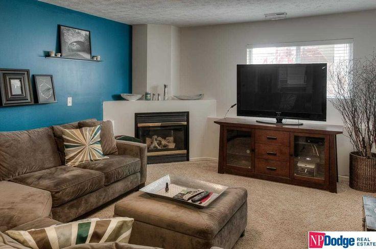 Living Room | Decor | Ideas | Corner Fireplace