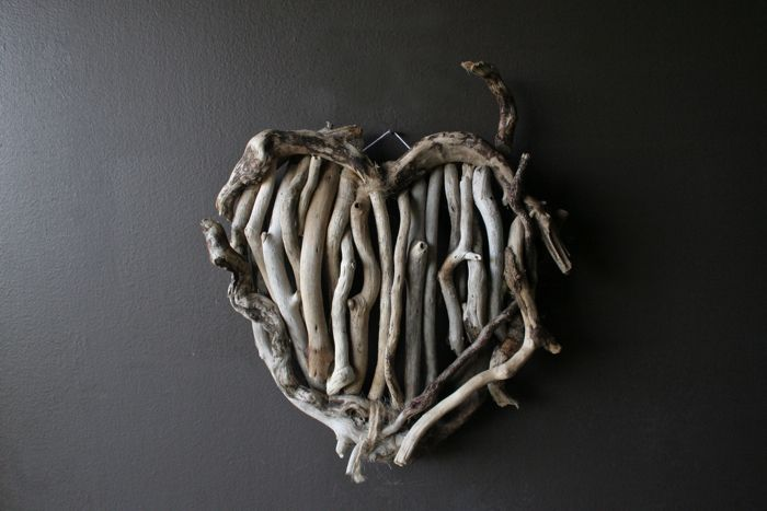 Heart of Sticks: Brown Dresses, Wall Hanging, Heart Wreaths, Driftwood Creations, Bark Heart, Driftwood Heart, Driftwood Wreaths, Feelings Crafty, Creative Crafty