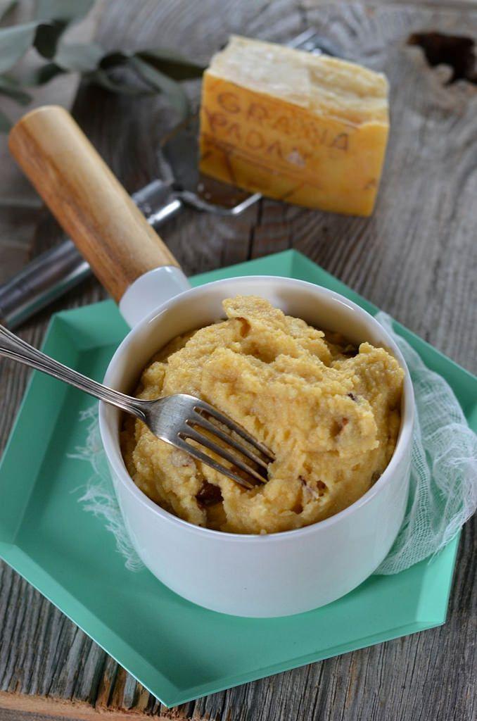 Je ne sais pas trop pourquoi mais je ne suis pas une fan de la polenta, mais c'était avant de faire cette polenta crémeuse aux champignons !