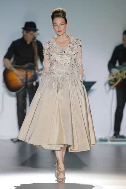 Isabel Zapardiez 2014. Photo: Barcelona Bridal Week...Gorgeous. Cheaper to have custom-made than purchasing from salon.