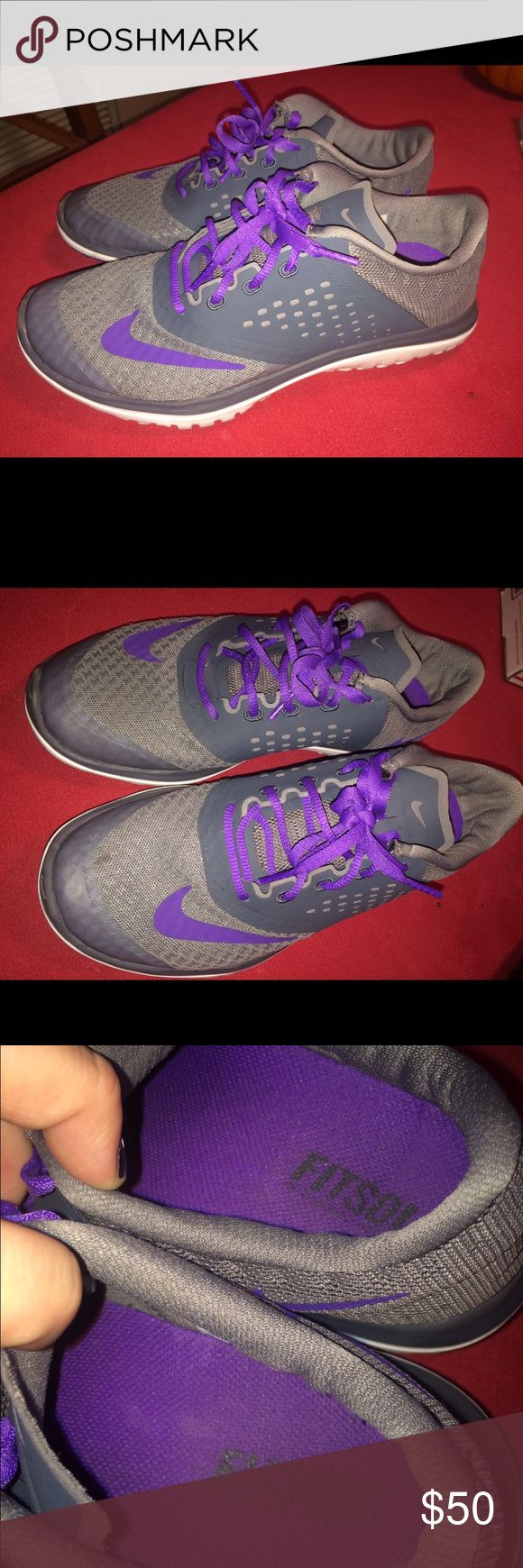 NIKE TRAINING SHOES USED ONCE!! Size 6 in womens nikes training and indoor soccer shoes Nike Shoes Athletic Shoes