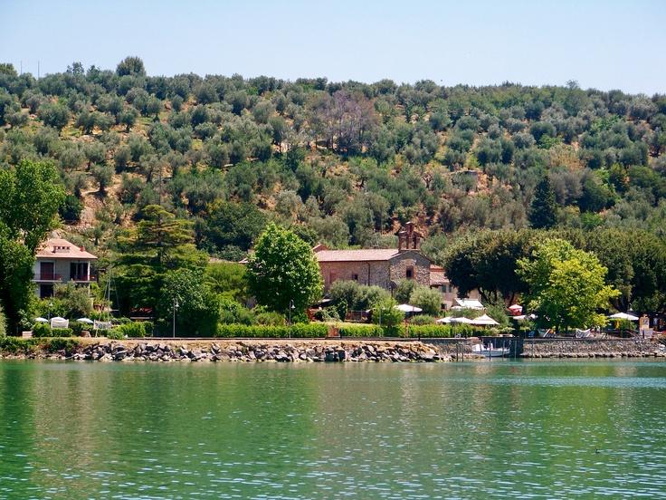 Isola Maggiore, Lake Trasimeno, Passignano sul Trasimeno www.romanticitalianweddings.com