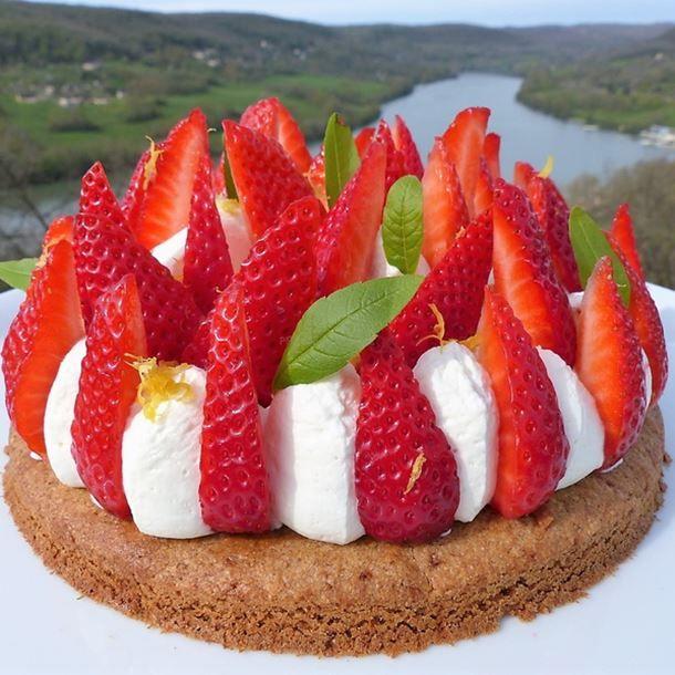 Tarte aux fraises, ganache montée à la verveine citron (recette IG bas)