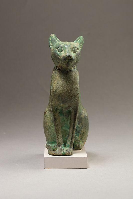 Escultura en bulto. Se los consideraba a los gatos como animales sagrados.
