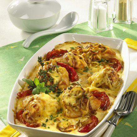 Putenmedaillons auf Tomaten mit Sahne Rezept | LECKER