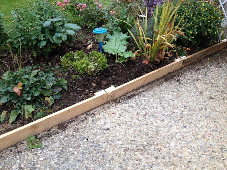 Bordures de jardin en palettes r cup cr er fabriquer pinterest for Bordures de jardin en bois
