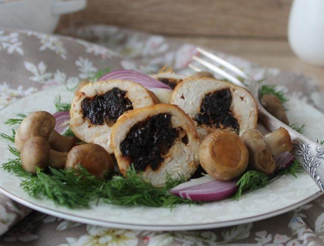 Aszalt szilvával és camembert-rel töltött csirkemell Recept képpel - Mindmegette.hu - Receptek