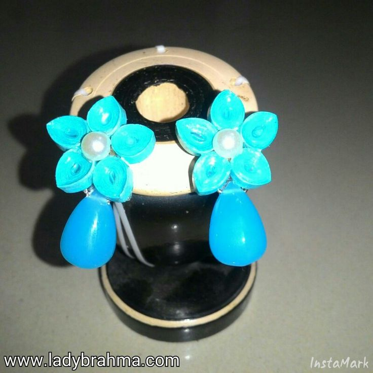 Quilled blue earrings