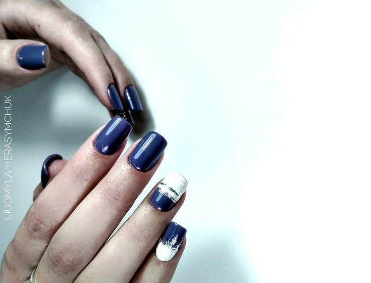 Perfekcyjny manicure Hybryda 99552 - https://ysbeauty.pl/gel-polish-99552 Zdobienia wykonane żel paintami Le Vole By @liudmyla_herasymchuk #LeVole #beautyservicepl #paznokciezelowe #paznokcie #ysbeauty #paznokcie #hybrydalevole