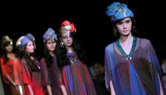 Batik by Alleira - Plaza Indonesia fashion week