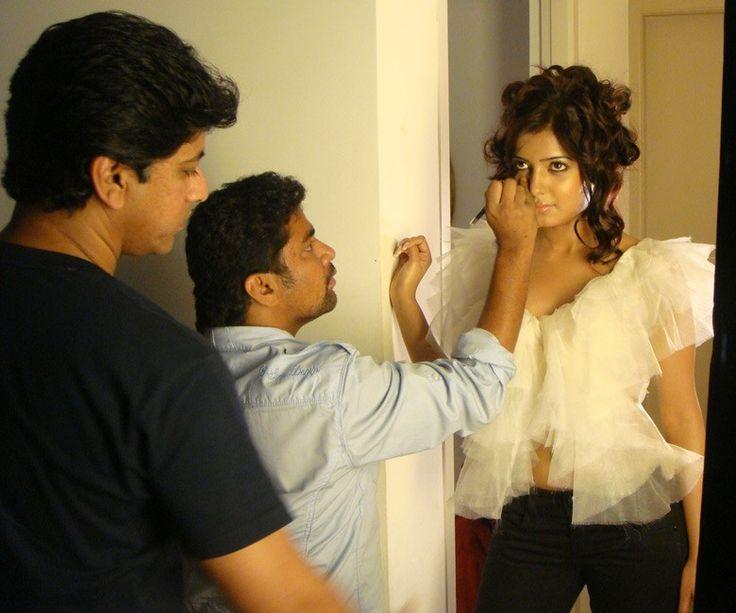 Noor one of the best Professional bridal makeup artist based in Chennai. He has various bridal studios across Chennai, Coimbatore, Trichy, Erode, Madurai and Vijayawada.