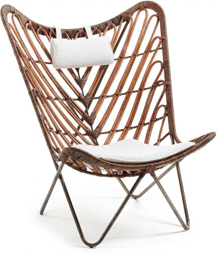 Stoel Cocoa - metaal - rotan - wit stof   - La Forma  Een design dat helemaal in is! Een stoere stoel voorzien van zachte kussentjes voor extra comfort.