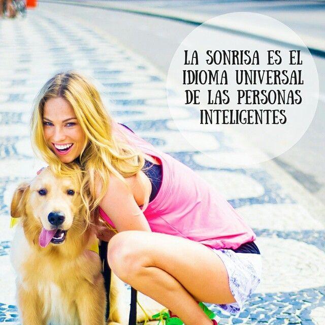 ¿Sonreimos? #felicidad #sonrisa #frases #buenasnoches #pensamientopositivo