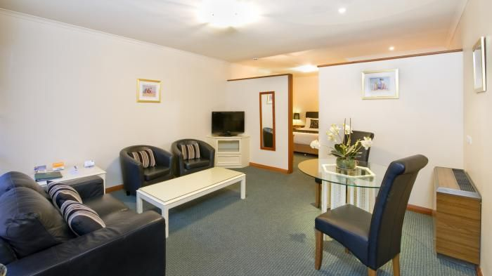 One Bedroom Suite - Hotel Old Adelaide, North Adelaide, South Australia