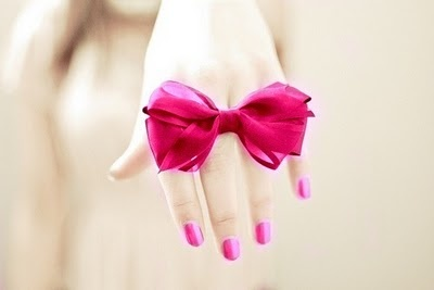 I have a bow obsession! :) I adore this!