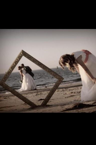 Great Wedding Pic Idea !!