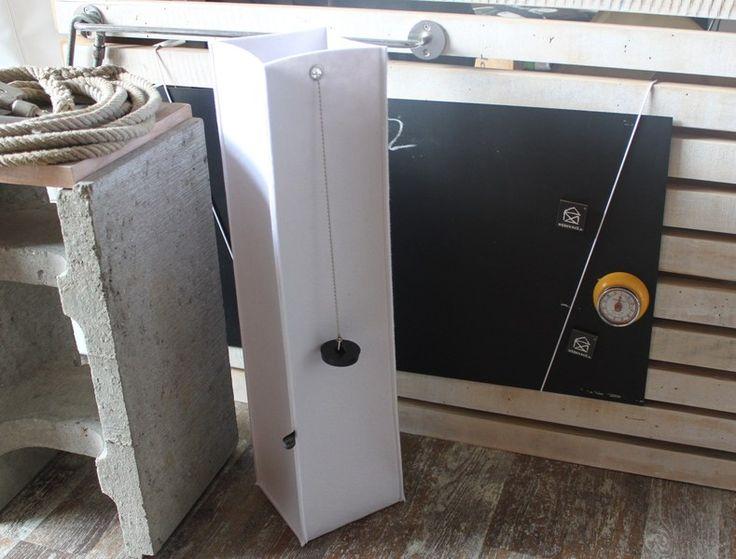 Klopapierhalter - WC Rollen Säule, weiß - ein Designerstück von einzigNICHTartig__aNni bei DaWanda