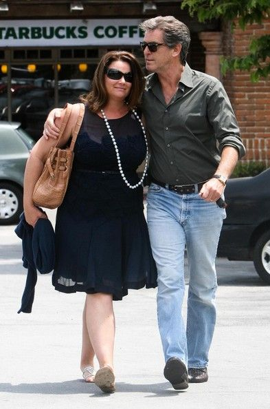 Pierce Brosnan and his beautiful wife with a normal body!