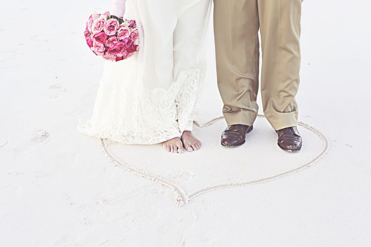Beach wedding shoes not required.: Galleries, Wedding Shoes, Pink Sands, Resorts Reading, Beaches Ceremony, Sands Resorts, Beaches Wedding, Shoes Style, Shoes Fun