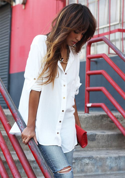 white oversized blouse with denimRipped Jeans, Hair Colors, White Buttons, Casual Chic, Blue Jeans, White Shirts, Classic White, Distressed Denim, White Blouses