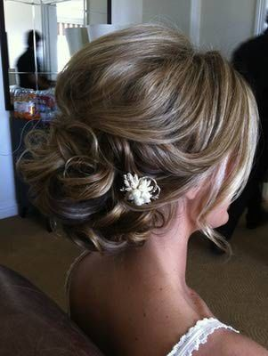 loose, soft curls, beautiful special occasion hairstyle